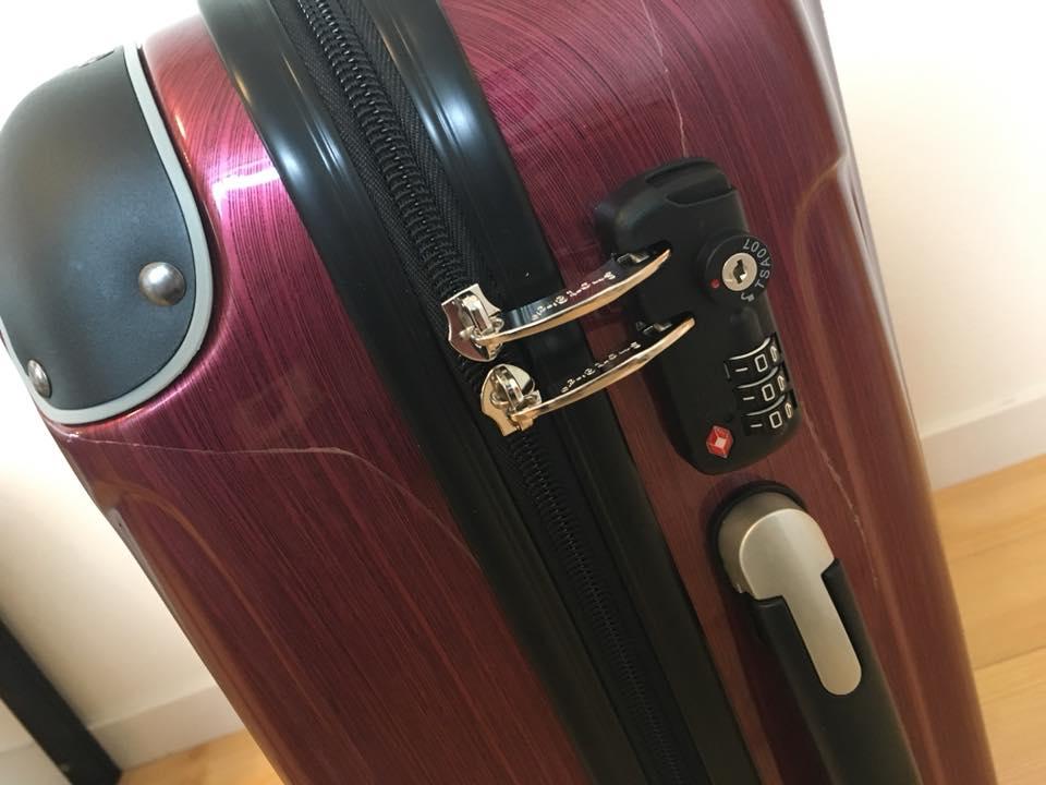 長崎県佐世保市へのふるさと納税でもらった返礼品のキャリースーツケース