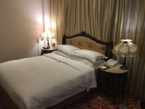 ロイヤルシーズンホテルの部屋